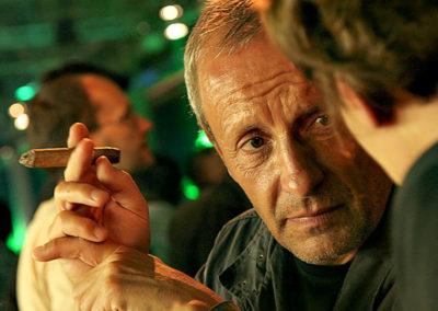 Peter Pilz mit Zigarre